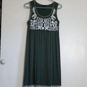 Design Hostory Embroidered Green Sleeveless Dress